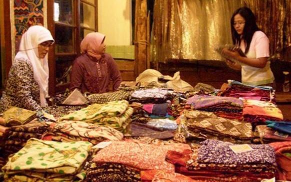 kampoeng-batik-laweyan-destinasi-wisata-fashion-solo