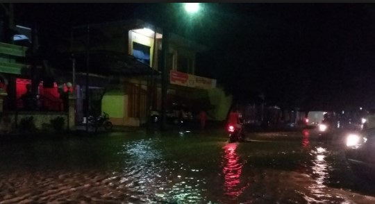 wilayah-sukoharjo-banjir-warga-resah